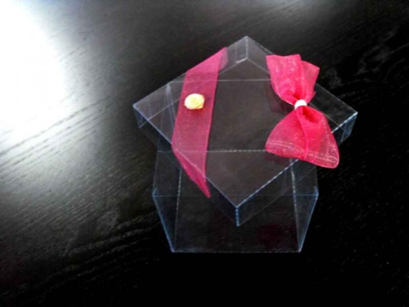 Cutii din plastic personalizate