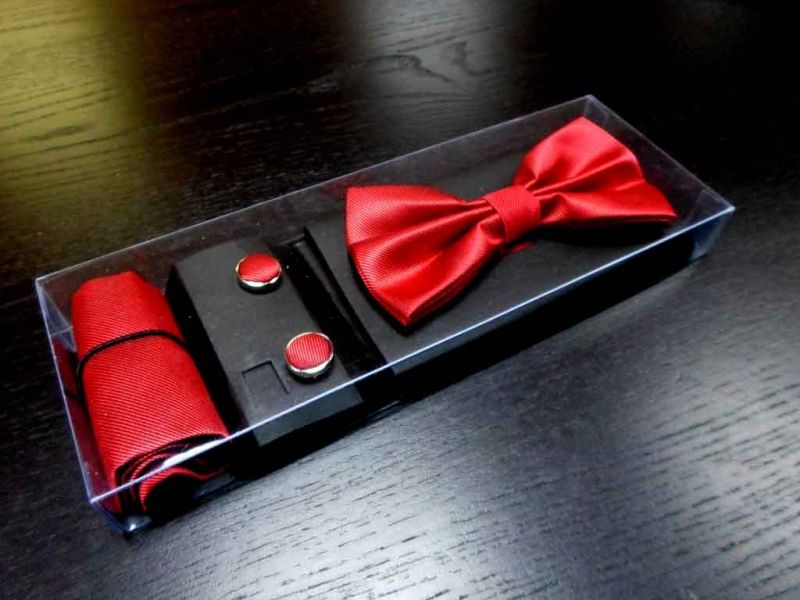 Bow tie gift packaging