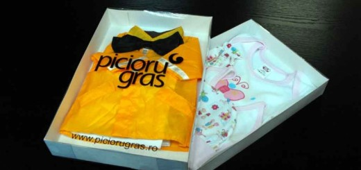 Kids clothing packaging