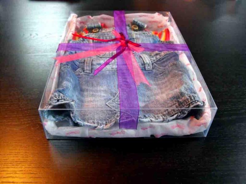 Cutii pentru hainute de fetite