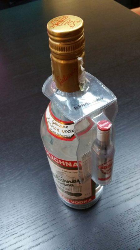 blister-promotional-pentru-agatat-pe-gatul-sticlei-1633-2