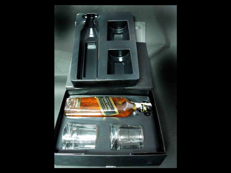 blistere-set-cadou-sticla-cu-doua-pahare-whisky-354-3