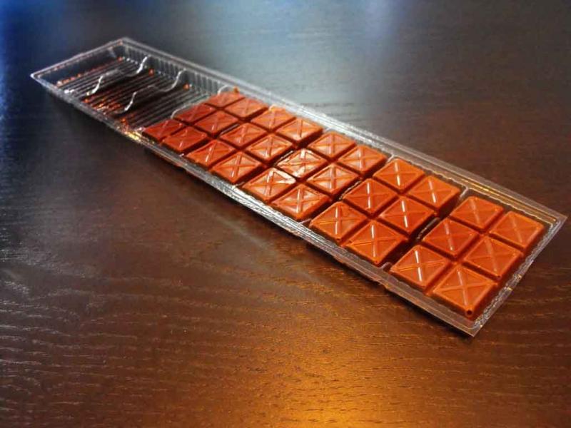 chesa-plastic-cu-8-alveole-pentru-ciocolata-605-3