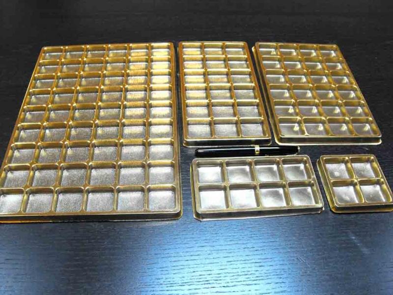 chese-aurii-din-plastic-pentru-bomboane-1378-2