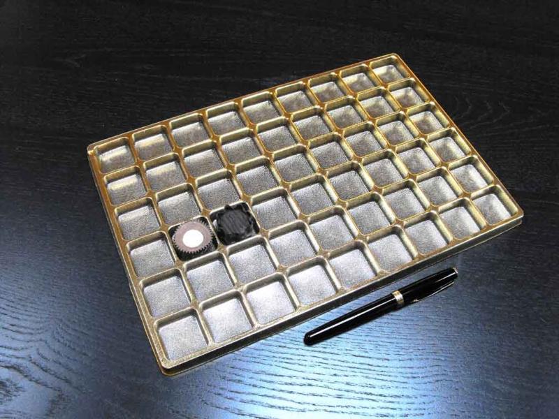 chese-aurii-din-plastic-pentru-bomboane-1378-3