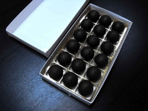Gold chocolate confectionery