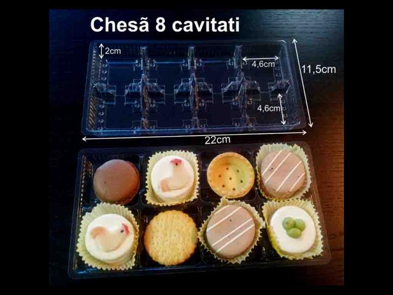 Chese din plastic pentru 8 prajiturele