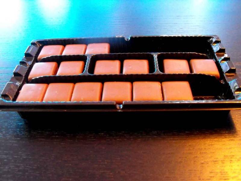 chese-plastic-praline-chese-bomboane-916-3