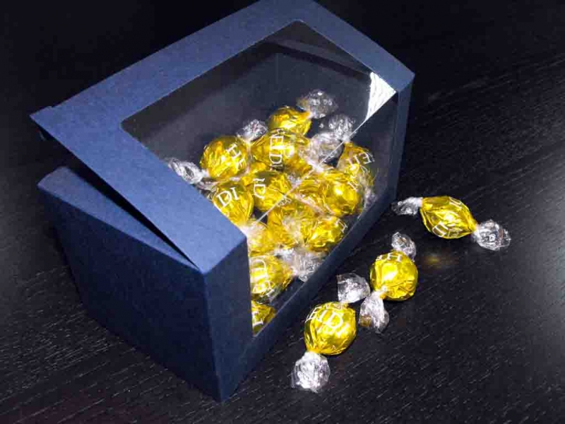 Cutii carton albastru bomboane