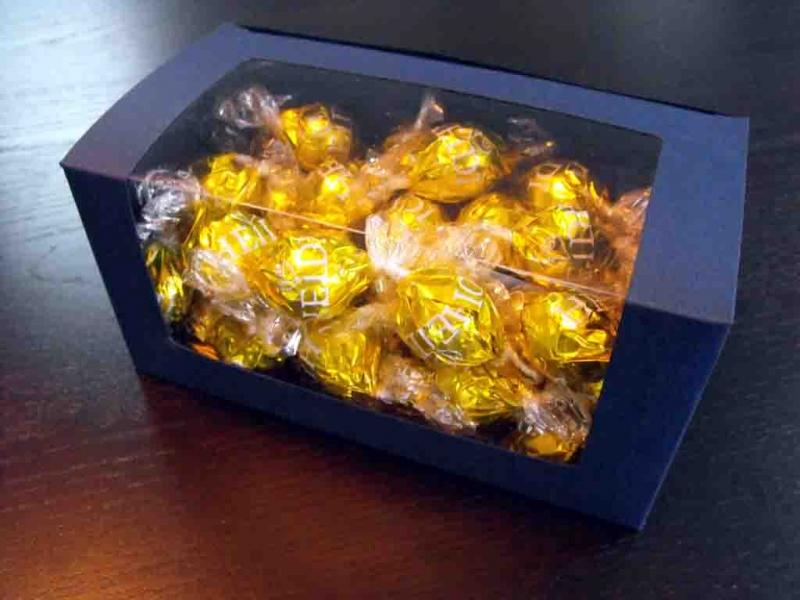 cutii-carton-albastru-bomboane-1013-3