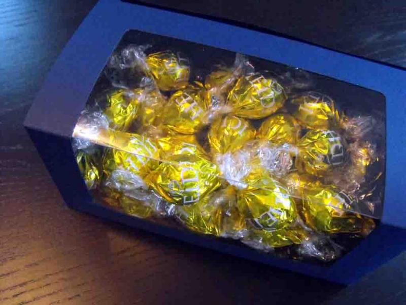 cutii-carton-albastru-bomboane-1013-4