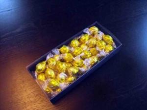 cutii-carton-colorat-pentru-bomboane-962-2