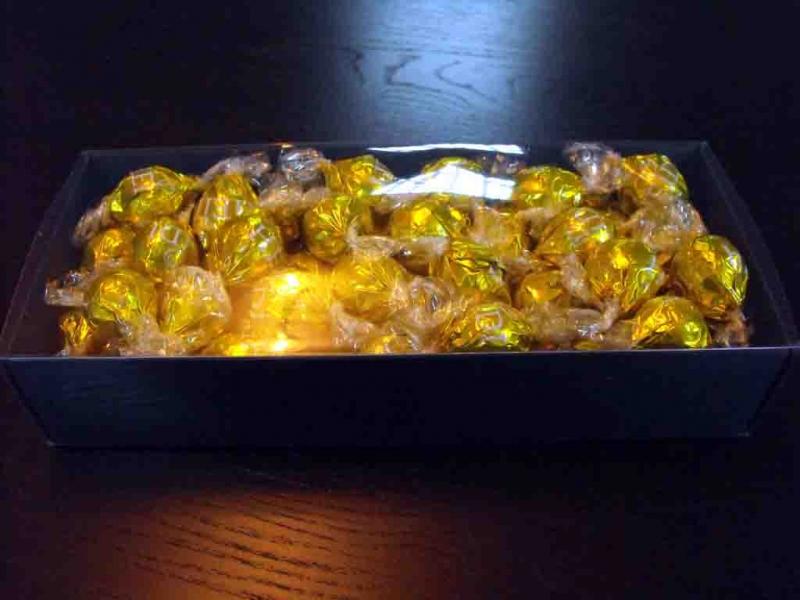 cutii-carton-colorat-pentru-bomboane-962-3