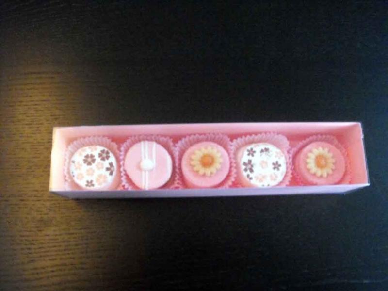 cutii-carton-colorat-pentru-petits-fours-1113-2