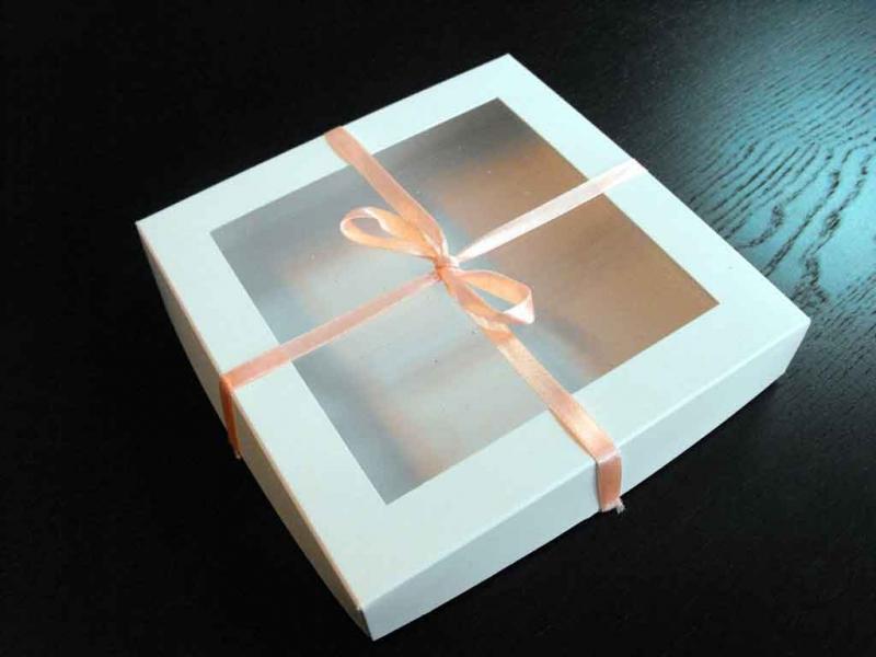 cutii-carton-cu-fereastra-9-petits-fours-1085-9