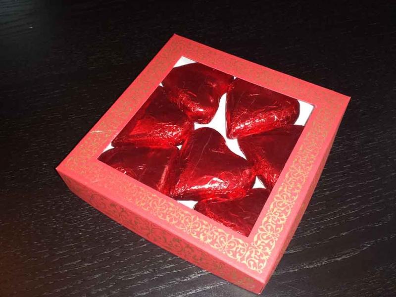 cutii-carton-cu-fereastra-ciocolata-inimioare-1150-2