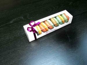 cutii-carton-cu-fereastra-pentru-macarons-1393-2
