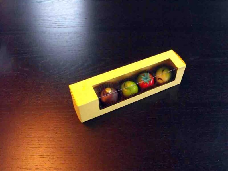 cutii-carton-cu-fereastra-plastic-figurine-martipan-1012-5