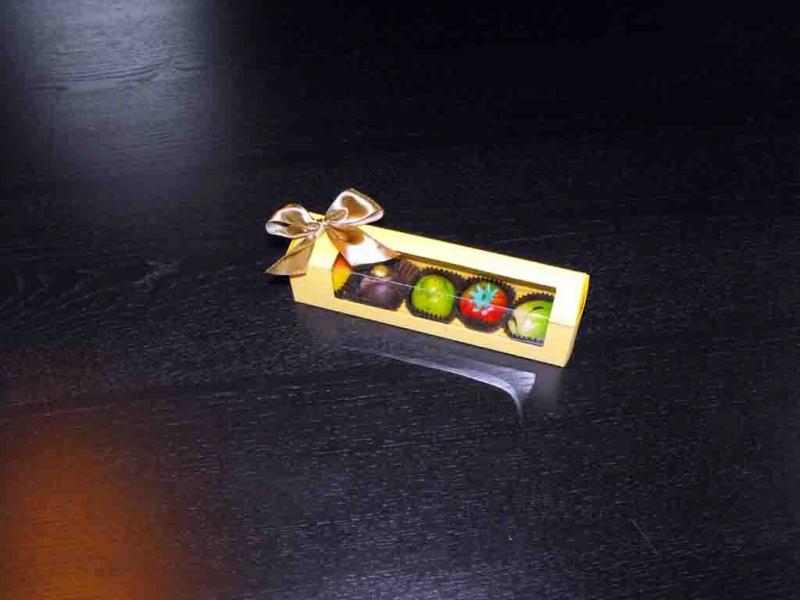 cutii-carton-cu-fereastra-plastic-figurine-martipan-1012-6