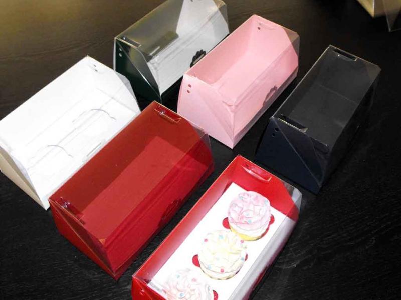 cutii-carton-pentru-doua-trei-cupcakes-1408-1