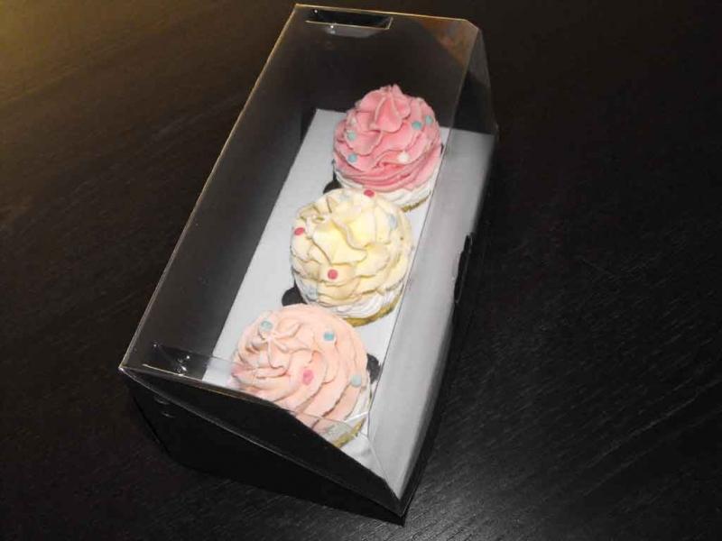 cutii-carton-pentru-doua-trei-cupcakes-1408-10