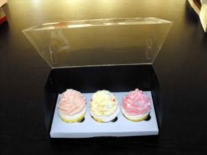 cutii-carton-pentru-doua-trei-cupcakes-1408-14