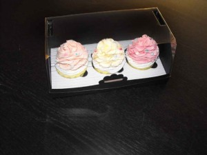 cutii-carton-pentru-doua-trei-cupcakes-1408-15