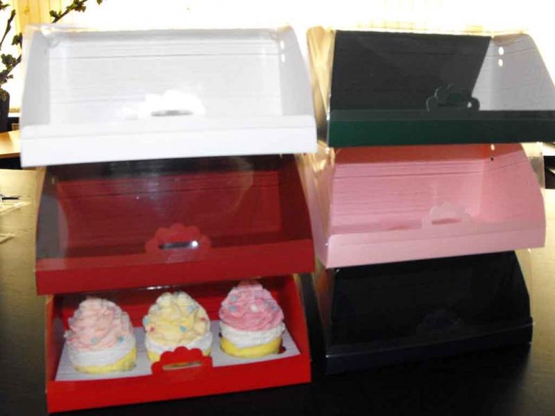 cutii-carton-pentru-doua-trei-cupcakes-1408-2