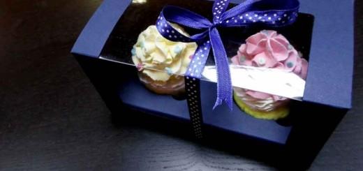 Cutii din carton cu fereastra pentru 2 cupcakes Ambalaje Plastic | Ambalaje Din Plastic