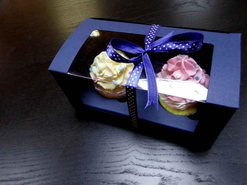 Cutii din carton cu fereastra pentru 2 cupcakes