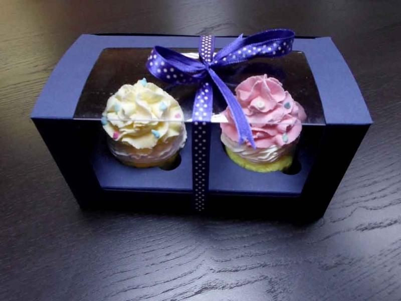 cutii-din-carton-cu-fereastra-pentru-2-cupcakes-1457-2