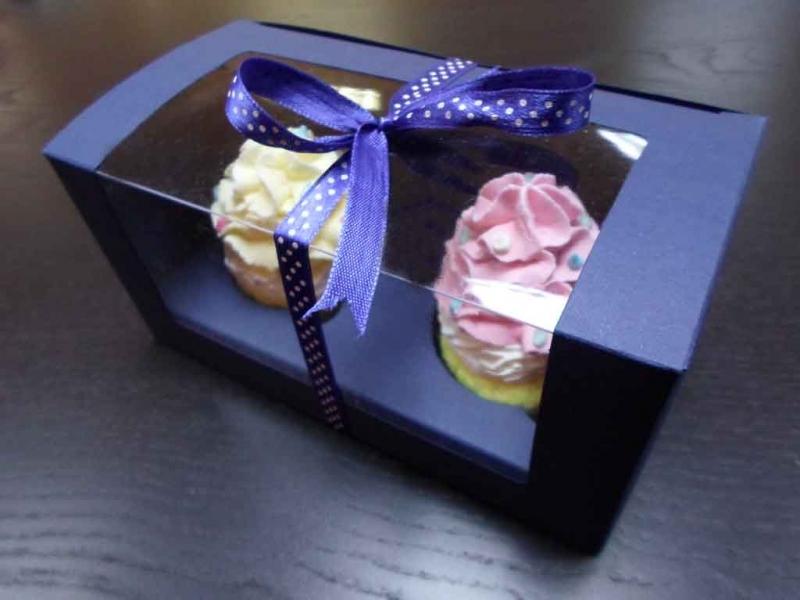 cutii-din-carton-cu-fereastra-pentru-2-cupcakes-1457-3