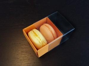 cutii-mici-carton-2-macarons-marturii-nunta-1254-7