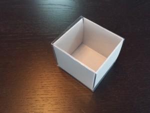cutii-mici-carton-2-macarons-marturii-nunta-1254-9