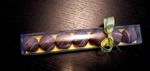 Cutii plastic 7 bomboane ciocolata