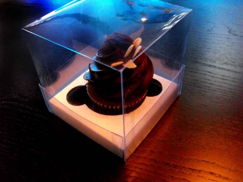 cutii-plastic-cupcakes-cutii-cu-capac-925-3
