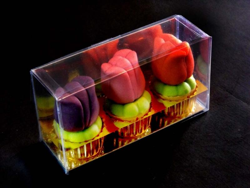 Cutii din plastic figurine martipan forma lalele