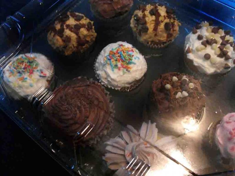 tavi-plastic-cupcakes-tavi-plastic-muffins-tavi-prajituri-813-4
