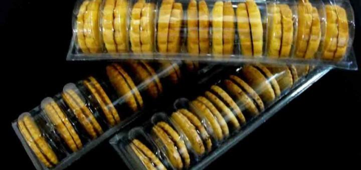 Caserole biscuiti rotunzi cu crema