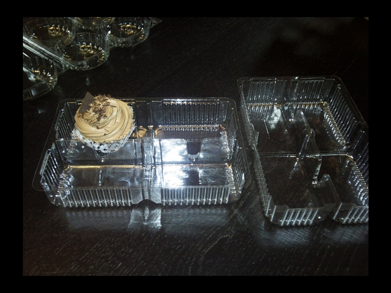 Caserole plastic pentru prajituri