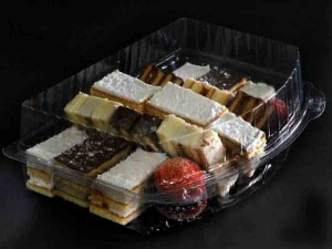 Plastic trays for cakes