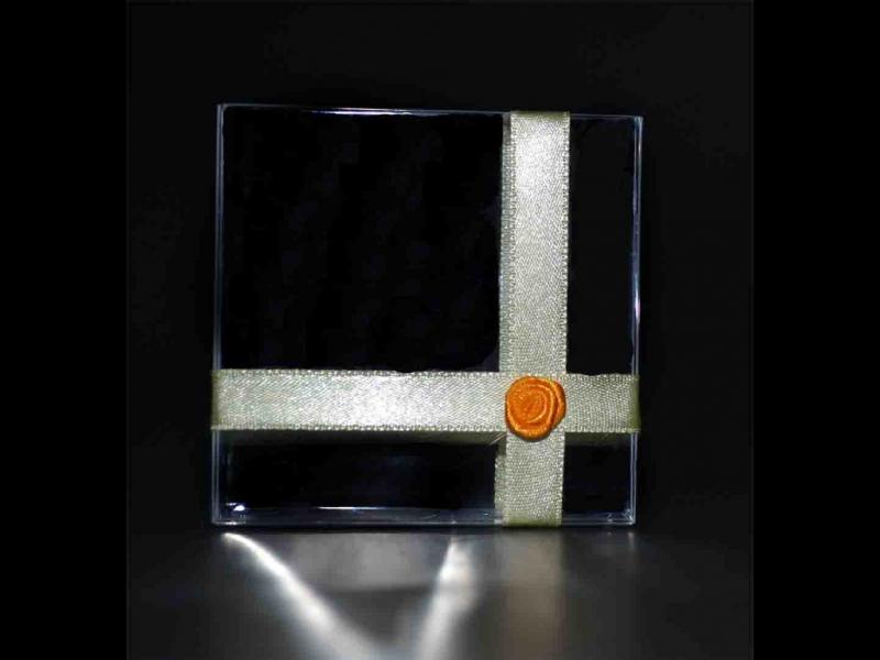 cutiute-plastic-marturii-de-nunta-cutiute-martisoare-837-2