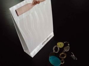 sacose-de-lux-sacose-hartie-colorata-bijuterii-1357-5 Ambalaje Plastic | Ambalaje Din Plastic