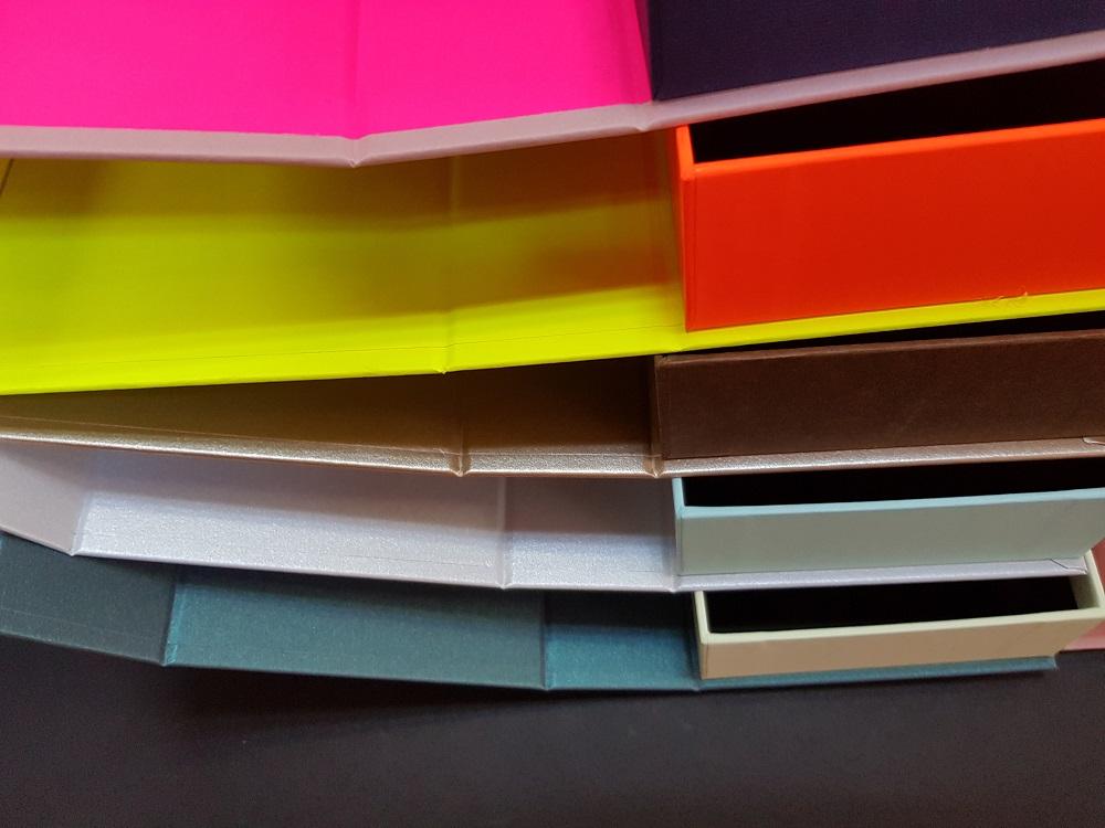 6081-Cutii colorate cu magnet (model 6081) (11)