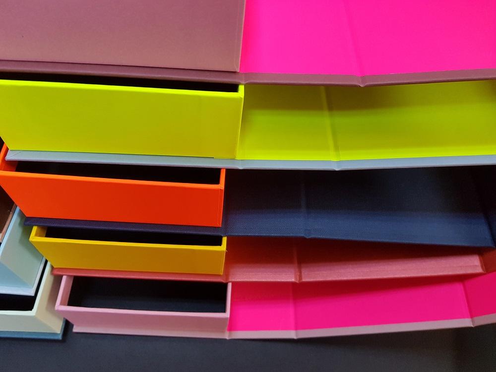6081-Cutii colorate cu magnet (model 6081) (12)