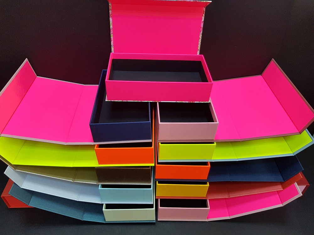 6081-Cutii colorate cu magnet (model 6081) (13)