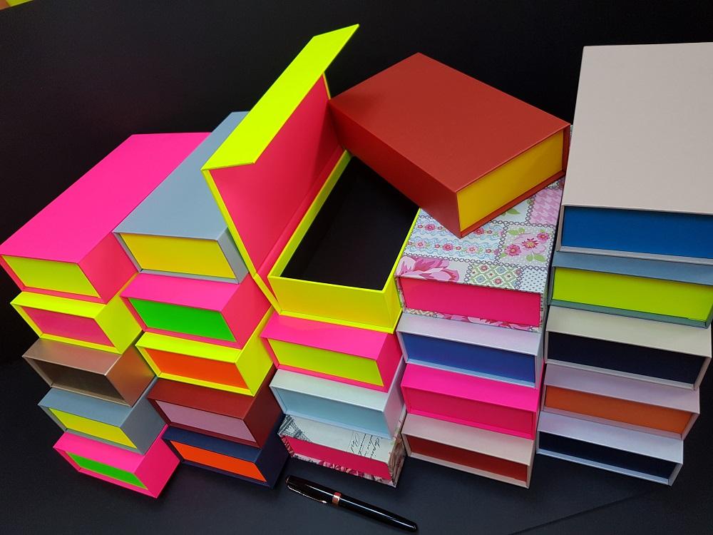 6081-Cutii colorate cu magnet (model 6081) (14)