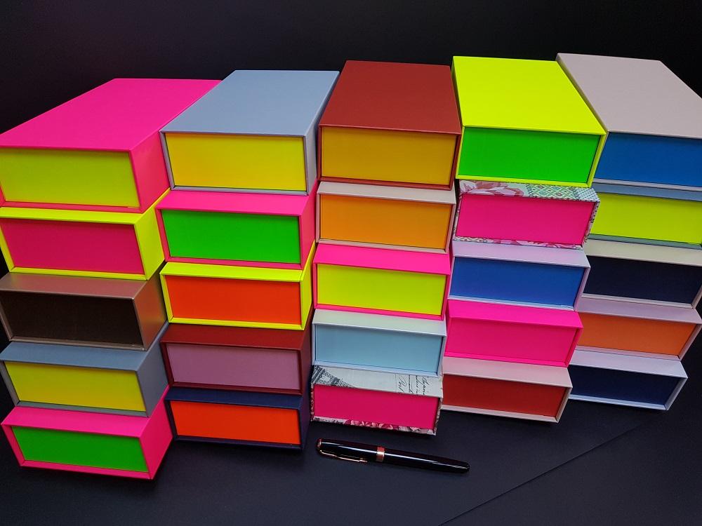 6081-Cutii colorate cu magnet (model 6081) (2)