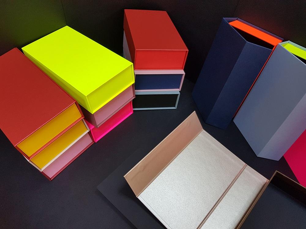 6081-Cutii colorate cu magnet (model 6081) (8)