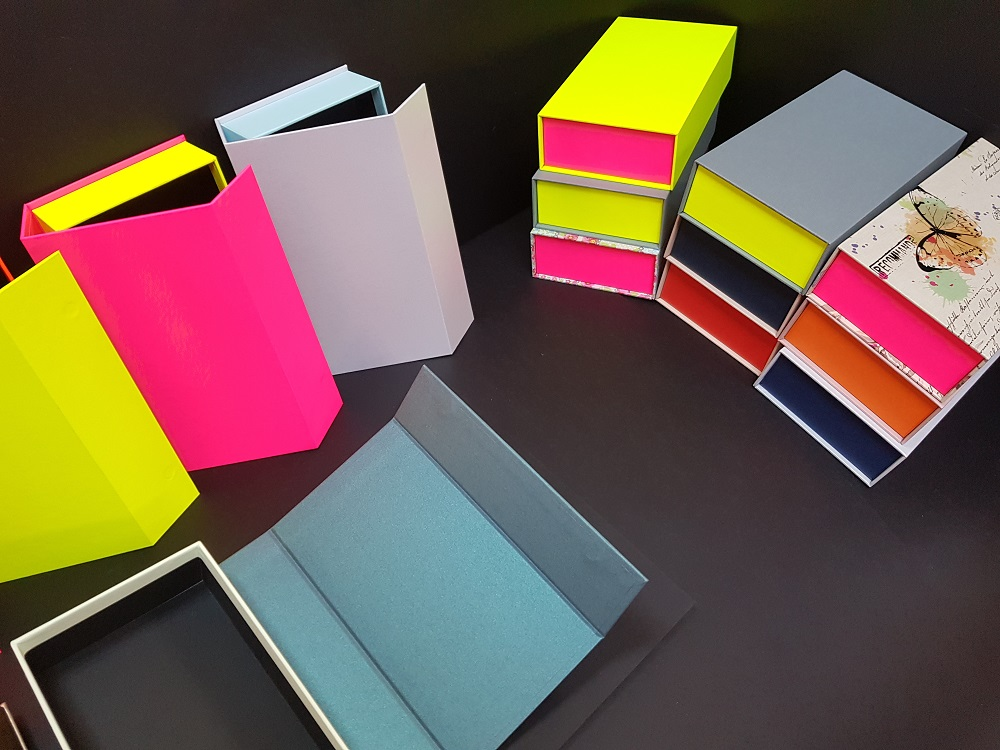 6081-Cutii colorate cu magnet (model 6081) (9)